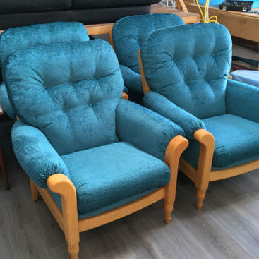 cintique chair blue