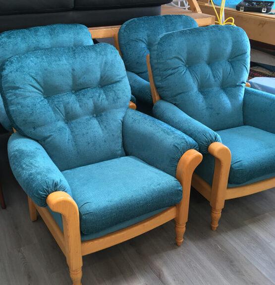 cintique chair blue