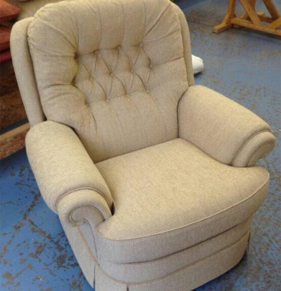 deep button chair cream